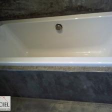 banheira com acabamento em cimento afagado
